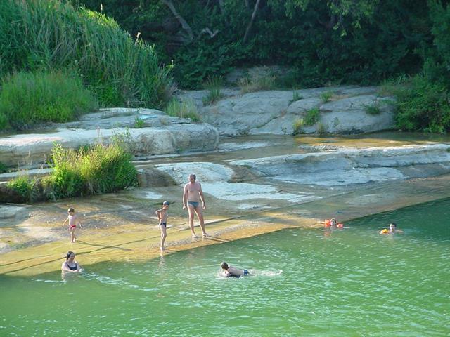 Top 20 des plus beaux coins pour pratiquer la baignade - Peut on se baigner dans une piscine trouble ...