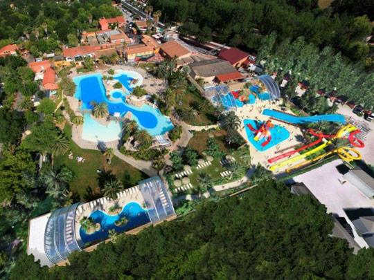 Dossier th matique les 10 plus beaux parcs aquatiques de for Camping dordogne avec piscine et toboggan
