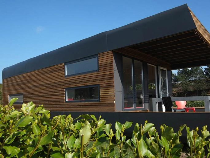 dossier th matique les plus beaux h bergements premium au camping. Black Bedroom Furniture Sets. Home Design Ideas
